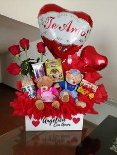Candy Gift Baskets, Valentine's Day Gift Baskets, Candy Gifts, Valentines Balloons, Valentines Diy, 18th Birthday Gifts For Girls, Valentine Gift Baskets, Flower Box Gift, Unicorn Valentine