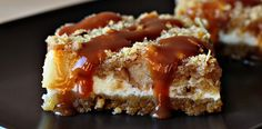 Caramel apple cheesecake cookie bars recipe with step by step pictures. Caramel apple cheesecake cookie bar on a brown plate. - I didn't love the cookie crust, would make it again with a graham cracker crust. Caramel Recipes, Apple Recipes, Sweet Recipes, Desserts Caramel, Fall Recipes, Köstliche Desserts, Dessert Recipes, Apple Desserts, Cookie Recipes