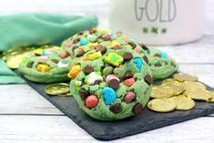 Lucky Charms Cookies are the perfect treat to bake for St. These cookies are colorful and full of mint flavors and chocolate chips. patricks day treats lucky charms Lucky Charms Chocolate Mint Cookies for St. Mini Eggs Cookies, Cut Out Cookies, Chocolate Mint Cookies, Mint Chocolate Chips, Holiday Treats, Holiday Recipes, Delicious Desserts, Dessert Recipes, Baking Desserts