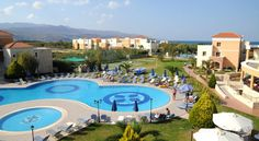 Chrispy World Kolimvárion Built close to the sea, this hotel is situated in one of the most picturesque Cretan areas. It offers elegant rooms with balconies overlooking the garden, sea or the 3 swimming pools.