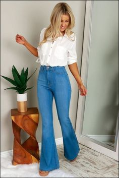 How to wear high waist jeans 30 outfits you can copy - Trendy Women Outfits Flare Jeans Outfit, Jeans Outfit Summer, Summer Outfits, High Waisted Jeans Outfits, Flare Pants, High Waisted Flares, High Waist Jeans, High Jeans, Jean Outfits
