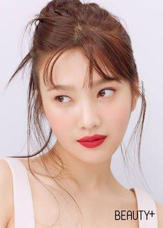 Kpop Girl Groups, Kpop Girls, Red Velvet Photoshoot, Joy Rv, Red Pictures, Chuu Loona, Red Velvet Joy, Beauty Magazine, Jennie Blackpink