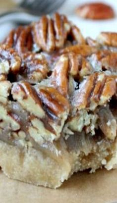 Pecan Shortbread Bars – I may have to make these and give them out as Christmas cookies this year! Pecan Shortbread Bars – I may have to make these and give them out as Christmas cookies this year! Pecan Recipes, Sweet Recipes, Baking Recipes, Cookie Recipes, Dessert Recipes, Bar Recipes, Healthy Recipes, Bon Dessert, Gastronomia