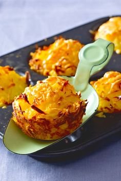 rösti muffins recipe - Are you planning a brunch? This recipe is guaranteed to be well received! We'll show you how t -Potato rösti muffins recipe - Are you planning a brunch? This recipe is guaranteed to be well received! We'll show you how t - Berry Smoothie Recipe, Easy Smoothie Recipes, Muffin Recipes, Cupcake Recipes, Cookie Recipes, Snack Recipes, Dessert Recipes, Snacks, Potato Recipes