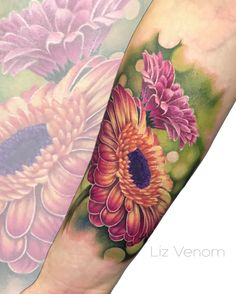 Gerbera daisy tattoo by Liz Venom. . . . . . Tattoo, tattoos, ink, art, roses, feminine, girly, women, perfect, best, inked, tattooed, floral, flowers, vintage, botanical, amazing, Canada, artist, Tattooer, bombshell galerie, gerber, daisies.