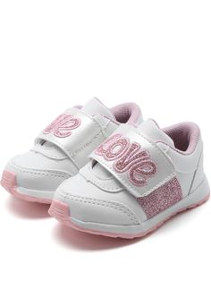 Tênis Tricae Menina Lettering Branco Toddler Shoes, Baby Shoes, Alaia, Maternity, Sneakers, Bb, Parents, Pink, Babies