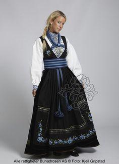 Beltestakk fra Bø i Telemark made by BunadRosen - Lovely blue! Norwegian Clothing, Norwegian Fashion, Norwegian Style, Folk Costume, Costume Dress, Costumes, Beautiful Norway, Scandinavian Fashion, Traditional Dresses