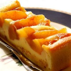 Tarta de Crema Pastelera y Manzanas Acarameladas