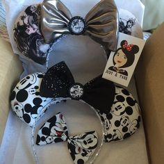 Love the villain ears! You don't see many of them. Disney Mouse Ears - Villians Inspired & Classic Mickey Mouse Inspired Source Instagram @judyandpark