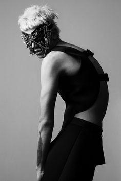 TAKE ME magazine 04/2011 foto: Krzysztof Wyzynski model: Pat Pietrzak/ Model + clothes by Konrad Parol