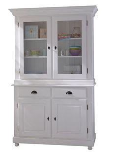Dieser Küchenschrank kann jede Menge Geschirr oder Bücher verstauen,   nicht so dekorative Dinge verschwinden einfach in den Schubladen oder   hinter den unteren Türen.