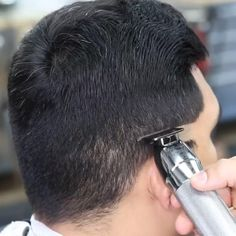 Cool Hairstyles For Men, Haircuts For Men, Fade Haircut Curly Hair, Hair And Beard Styles, Curly Hair Styles, Buzz Cut For Men, Hair Cutting Videos, Textured Haircut, Beard Fade