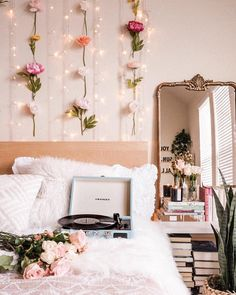 Flower Wall DIY As Told By Michelle You are in the right place about dorm room decoration Here we offer you the most beautiful pictures about the little room decoration you are looking for. When you examine the Flower Wall DIY As Told By Michelle … Cute Room Ideas, Cute Room Decor, Decoration Bedroom, Room Decor Bedroom, Bedroom Ideas, Flower Room Decor, Bedroom Inspo, Bedroom Designs, Floral Bedroom Decor