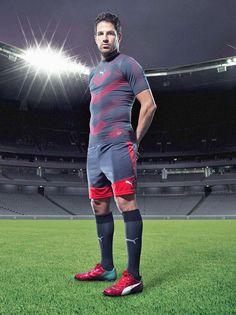 Fabregas-Chelsea-PUMA-boots-277389.jpg (590×788)