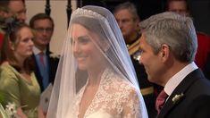 Kate Wedding Dress, Kate Middleton Wedding Dress, Kate Dress, Wedding Dresses, Looks Kate Middleton, Estilo Kate Middleton, Princess Kate Middleton, Kate Middleton Family, Kate Middleton Pictures