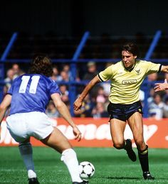 Oxford Utd 5 Leicester 0 in Aug 1985 at the Manor Ground. Jeremy Charles runs at the Leicester defence Oxford United, Leicester, 1980s, The Unit, Football, Running, Sports, Meat, City