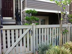 Simple front yard fence & gate