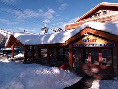 notre magasin de ski SKISET situé au RDV del'hôtel Courchevel 1850 - HÔTEL NEW SOLARIUM