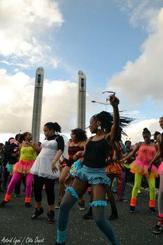 Le carnaval des deux rives / Dimanche 17 mars / Inauguration du pont Chaban / Bordeaux