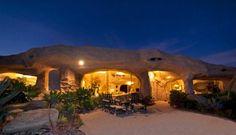 """Casa orgánica en Malibú, inspirada en """"Los Picapiedra"""""""