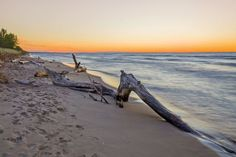 A guide to Lake Huron's beautiful beaches and stunning sunsets - The Globe and Mail Lac Huron, Cabin Activities, Ontario Beaches, Ontario Travel, My Road Trip, Great Lakes, Canada Travel, Beautiful Beaches, Michigan