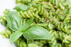 This vegan cavolo nero pesto takes fresh kale and combines it with cashew nuts. Pesto, Gnocchi Dishes, Kale Recipes, Zucchini Noodles, Nutritional Yeast, Eat Right, Wonderful Things, Recipe Ideas, A Food