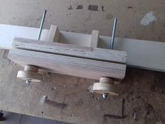 Twin screw vice (moxon) made from plywood. Very handy and very simple to make. I used scrap plywood and a threaded rod. Plywood, Twins, Office Supplies, Bench, Videos, Hardwood Plywood, Gemini, Twin, Desk