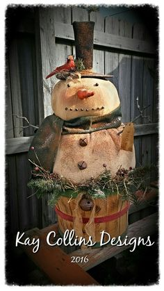 Stunning Primitive Christmas Decorations Ideas - Christmas Celebration - All about Christmas Prim Christmas, Christmas Fabric, Winter Christmas, All Things Christmas, Christmas Ornaments, Primitive Christmas Crafts, Christmas Ideas, Christmas Thoughts, Christmas Sewing