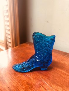 Blue Glass Boot Fenton Glass Daisy Button Pattern Collectible Figurine Vase I Ship Globally Ranch Decor, Equestrian Decor, Faux Stained Glass, Blue Home Decor, Fenton Glass, Collectible Figurines, Rare Antique, Vintage Prints, Etsy Vintage