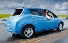 Nissan daun bertujuan untuk mengambil rekor dunia secara terbalik di goodwood