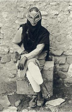 "djinn-gallery:  ""Portrait of an Arab woman wearing a traditional face mask in Muscat, Oman, 1905  """