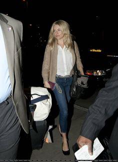 Love Sienna Miller's style.