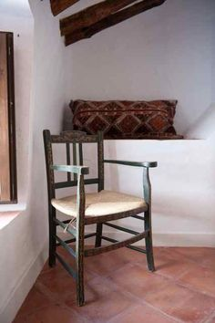 Love the natural light used in photographing this rustic Spanish property: Room 5 - almohalla51.com