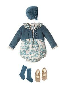 NANOS SHOP ONLINE. Detalle de conjunto Baby Girl Fashion, Toddler Fashion, Toddler Outfits, Kids Outfits, Kids Fashion, My Baby Girl, Baby Love, Little Girl Closet, Little Fashionista