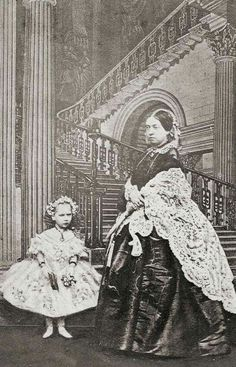 Queen Victoria and her daughter 'baby' Beatrice, 1861 Photographer: John Mayall, London Queen Victoria Children, Queen Victoria Family, Queen Victoria Prince Albert, Victoria And Albert, Princess Victoria, Reine Victoria, Victoria Reign, Windsor, Queen Victoria