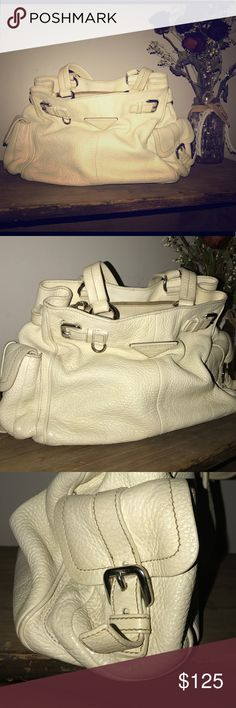 Prada white leather handbag Beautiful authentic Prada white leather handbag Prada Bags Shoulder Bags
