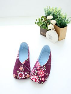 c756a2702cfec 132 Best Sewing Slippers images in 2019 | Sewing slippers, Sewing ...