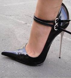 pointed toe high heels of the 1940s - Yahoo Image Search Results