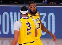 """LeBron James (Foto: Getty Images)  Após embate com oDenver Nuggets pelas finais da conferência oeste nesta quinta-feira (25), LeBron James, ala do Los Angeles Lakers, compartilhou sentimentos a respeito dos desdobramentos do episódio Breonna Taylor. Em entrevista à emissora TNT, o atleta disse que a decisão judicial a respeito do caso foi um """"peso"""" sobre todos os jogadores, e voltou a cobrar: """"Queremos justiça"""". saiba mais"""