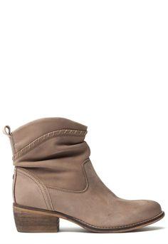 9947fe915b2 7 beste afbeeldingen van schoenen - Black ankle booties
