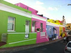 Get set for an unforgettable in Cape Town, South Africa Cool Places To Visit, Great Places, Somerset West, Muslim Family, Colourful Buildings, Holiday Accommodation, Places Of Interest, Color Of Life, Africa Travel