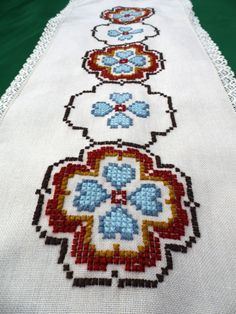 Vintage table runner tablecloth with floral cross by Retroom