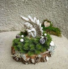 Diy Snowman Decorations, Grave Decorations, Christmas Decorations, Holiday Decor, Funeral Flower Arrangements, Funeral Flowers, Floral Arrangements, White Christmas, Christmas Wreaths