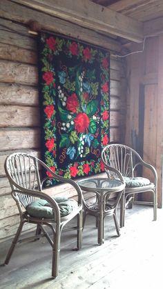 Pataya tuolit harmaana