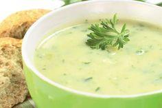 Recette de soupe de poireaux au Thermomix TM31 ou TM5. Préparez ce plat principal en mode étape par étape comme sur votre Thermomix !
