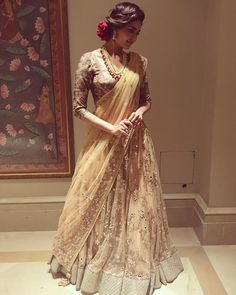 Latest photos of Karishma Tanna Indian Wedding Outfits, Pakistani Outfits, Indian Outfits, Wedding Sari, Wedding Curls, Pakistani Bridal Hairstyles, Simple Lehenga, Golden Dress, Modern Saree