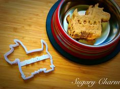 Personalized Scottie cookies Scottie cookie cutter by SugaryCharm Dog Training Books, Dog Training Courses, Dog Training Methods, Basic Dog Training, Dog Training Techniques, Training Your Puppy, Training Dogs, Dog Food Delivery, Puppy Obedience Training