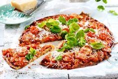 Unser beliebtes Rezept für Low Carb Pizza mit Zucchini-Boden und mehr als 55.000 weitere kostenlose Rezepte auf LECKER.de.