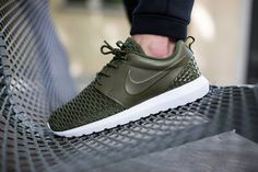 Real fly in Rough Green Flyknit // Nike Roshe One //#green #olive #nike