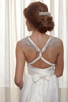 Sienna-Ivory-closeup-back
